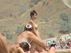 Amateur video of some babes on hammer away beach