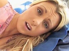 Blonde hottie masturbates hot in a great down blouse video