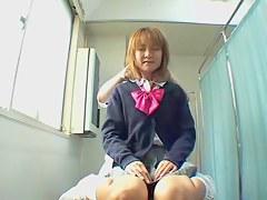 Skinny Jap enjoys a dirty rub down on snoop cam video