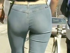 This is the most sexies ass from all videos around here
