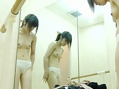 Teen performs the real nude show in dressing room spy cam