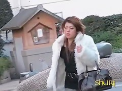 Japanese street sharking video showing a sexy girl