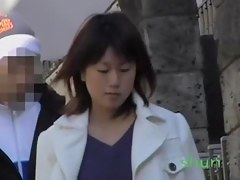Sexy Asian girl fell victim to skirt sharking on the street