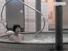 Asian women wet and sexy in the showers spy cam clip