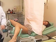 Beautiful Japanese babe came to doctor for a pussy exam