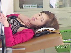 Big booty Asian enjoys fingering during a pussy exam